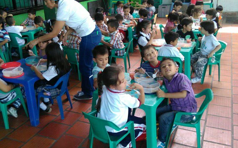 La institución suscribe convenio de alimentación escolar con COMFENALCO
