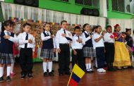 La sección primaria de la sede principal celebra el día del idioma